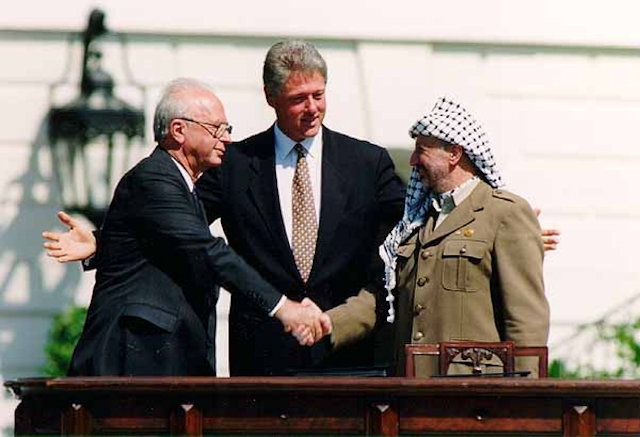 rabin-clinton-arafat-oslo-accords-white-house-sept13-1993